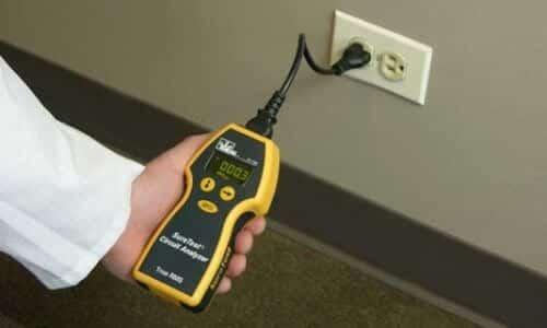 Plug-In Circuit Analyzer