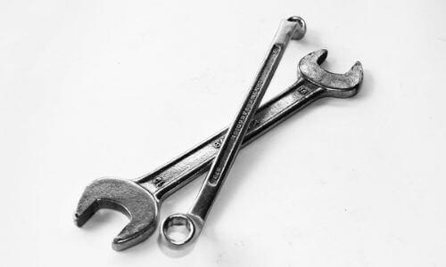 Socket-Wrench-Vs-Ratchet-Types