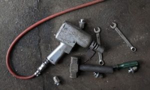 What Tools Does A Mechanic Need