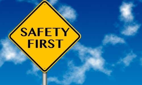 safety precautions using an air hammer tool